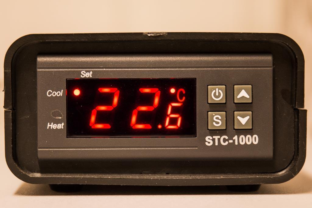 STC-1000 kontrollenhet för jäskylen.